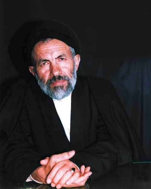 احترام افسر عراقی به یک روحانی